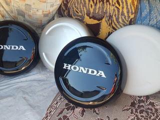 .  Колпаки  на запаску Honda CR-V  1 - 2   2001  -  2006 г .   R 15   Отдам   по   100 евро    любой