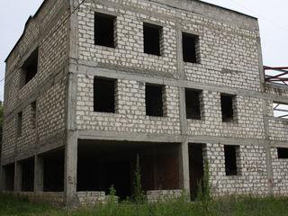 Продается незавершенное строение. 145 000 €