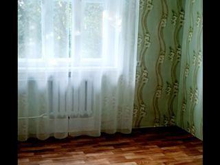 Квартира эконом в центре Бендер, 2-комнатная, комнаты раздельные