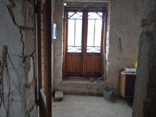 Vând casă în Orhei sau schimb pe apartament