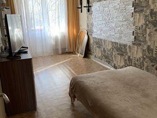 Продам двухкомнатную квартиру в г. Дондюшаны