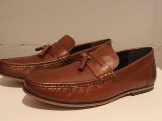 Pantofi din piele,noi,din Anglia !