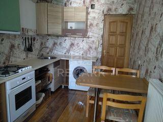 Chirie, Apartament cu 2 odăi, Botanica str. Cuza Vodă, 270 €