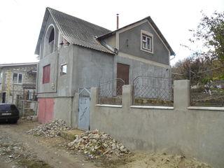 Дом дача в  Сурученах по  ул. возле  озера