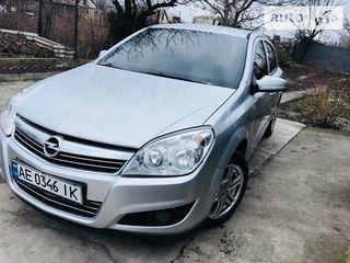 Piese  Opel Astra H  dezmembrez !!!