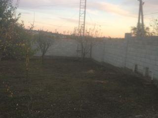 Срочно, 10 км от Кишинева в сторону Оргеева.   Обмен на машину с доплатой ,10 сот.