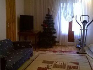 Casa in zona  comfortabila cu cabinet personal!!Posibil schimb