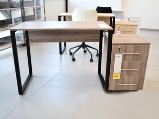 Mese pentru oficii, birouri, conferință. livrare gratuită.Столы для офисов, кабинетов, конференций.