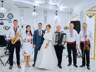 Formatia - Doina Moldovei, muzica pentru petreceri, nunti si cumatrii la pret accesibil.