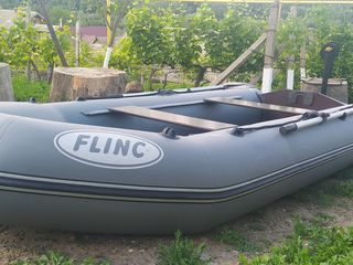 Надувная лодка в идеальном состоянии