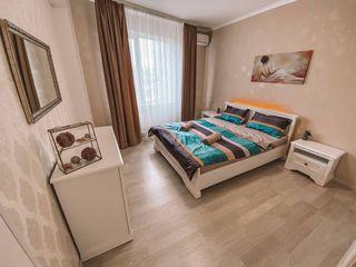 Apartment in LUX in centru, Panoramic view!!! 550 lei
