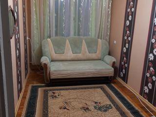 Продам квартиру в центре города напротив ресторан Нистру . 3 комнаты требует ремонта.