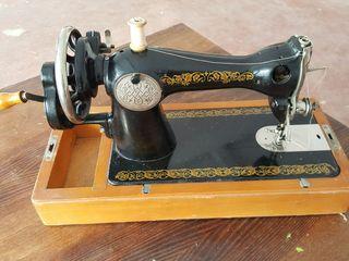 Винтажная швейная машинка пмз им.Калинина