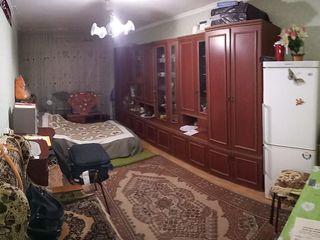 Spre vânzare cameră - 9900 euro