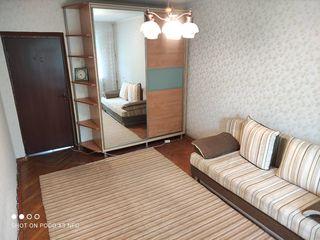Отличная квартира в центре Рышкановки двусторонняя два балкона автономное отопление место шикарное!!