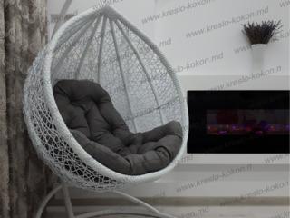 Кресло-кокон и мебель из ротанга