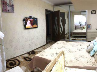 Vindem apartamentul cu euroreparatie,tot ce se vede pe poze ramine