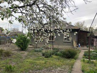 1-этажный дом (73 кв.м.) + времянка (30 кв.м.) в г. Бельцы по ул. Плопилор 37