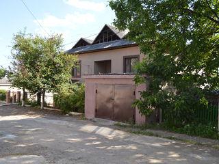 La Ciocana casa la pret foarte bun!!! Zona linistita casa gata de intrare.78000