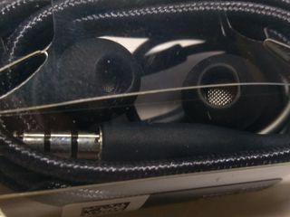 Наушники akg eo-ig955.из комплекта samsung s8+.450 lei