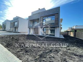 Vânzare casă stil Hi-Tech,250 mp, 5,1 ari, proiect exclusiv, Rîșcani, Ave- Maria!