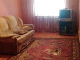 Vind apartament c 3 odai Falesti str.Mihai Eminescu 43