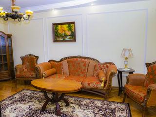 Продаётся 2-х комнатная квартира в самом сердце Рышкановки!