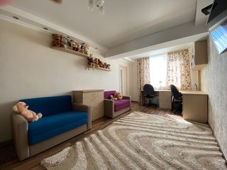 Apartament cu 2 dormitoare + bucatarie cu living + 2 lodgii - complet mobilat