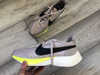Nike moon racer 44,5 marimea