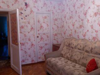 Сдаю 2-ух комнатную квартиру, на долгий срок, семье.