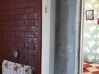 Vînd urgent casa-apartament la Telenesti