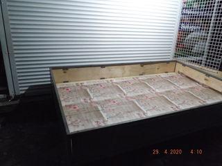 продаю торговые столы для различных потребностей и ролеты б/у