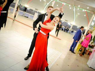 Dansatori cu show de gală - ansamblul Basarabenii