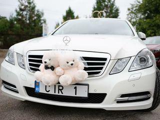 Lux Mercedes albe/negre pentru nunta ta
