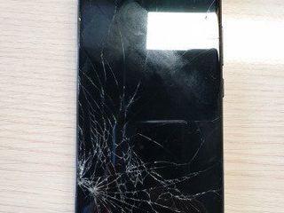 Xiaomi Pocafone, Ecranul sparta -Luăm, reparăm, aducem !!!