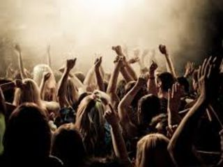 "Muzica pt Evenimente,Moderator,Solist,Lumini Disco,Efecte Speciale! ""Muz Band"""