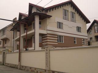 Новый дом, 7 соток, евроремонт, ул. Аурел Давид.