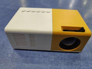Mini Projector J9 HD Home Projector за 699 лей