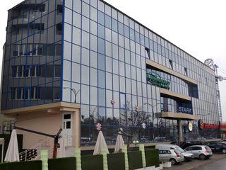 Chirie! Spațiu comercial, Centru, bd. Renașterii, 340 m2, Euroreparație!