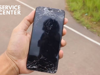 Samsung Galaxy A6+ 2018 De ai spart ecranul telefonului – vino la noi si te vom ajuta!