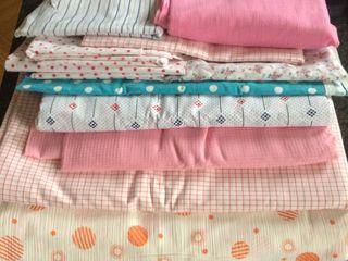 100%cotton,в виде ситца,сатина, ситца-кружавницы,сжатого ситца( Венгрия.Эстония),отрезы больше.3-5м