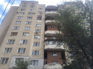 Botanica, Hristo Botev, etaj 1/11,42 mp+demisol 42 mp,pentru comercial
