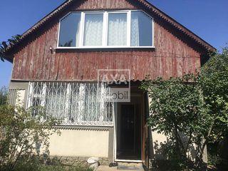 Vânzare casă în 2 nivele, Dumbrava.