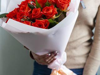 Surprize muzicale la domiciliu/livrarea flori/buchete conbustibile/primim comenzi de peste hotare.