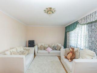 Se vinde cel mai spațios apartament cu 6 odăi! 200 m2!! Miron Costin, Râșcani!