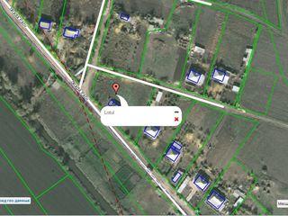 Продаю участок 25 соток земли с домом в ценре с. Кирка р-он Анений Ной