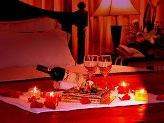 Cюрприз лучший вечер для влюбленных сердец 650 лей,почасова 150 lei