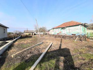 Spre vânzare - casă cu teren aferent de 8.5 ari, satul Peresecina, raionul Orhei