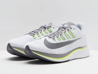 Nike Zoom Fly абсолютно новые кроссовки для бега, мужские.