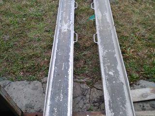 Rampe,trapuri din aluminiu.Lungimea 2.4m si latimea 20 cm .